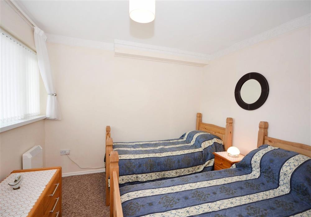 Sand Bay 2 (White Waves) - Twin Beds
