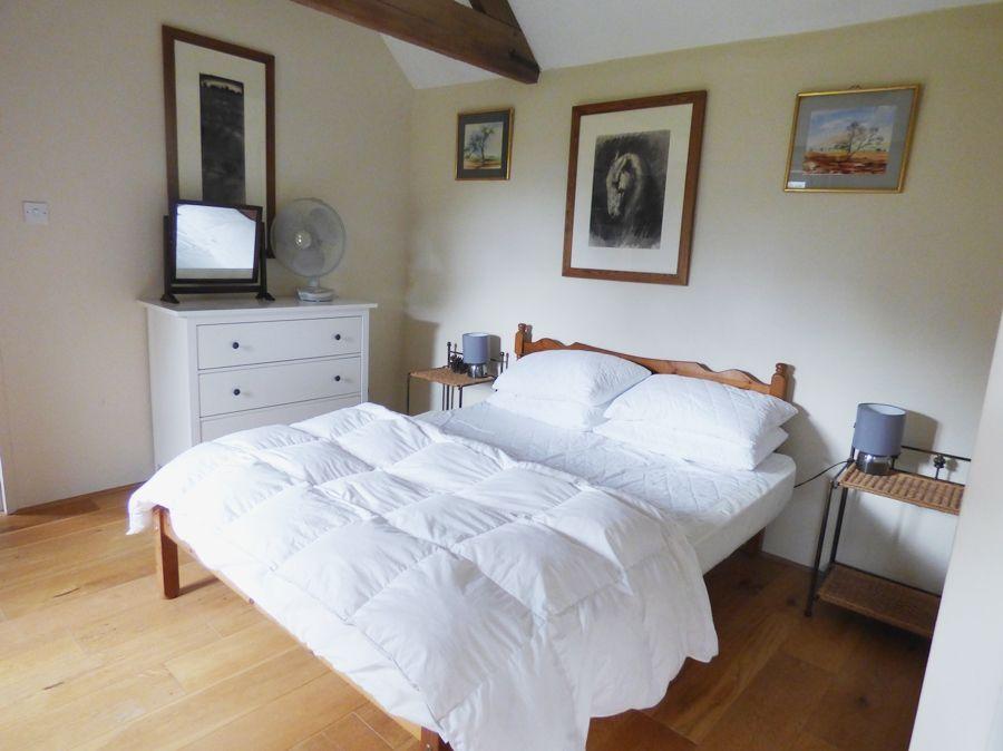 Field Barn Cottage | Bedroom