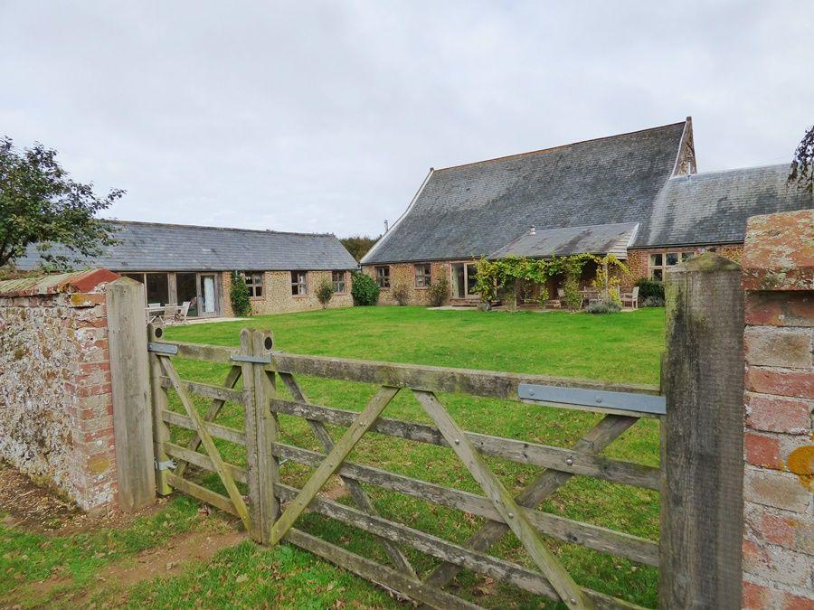 Field Barn Cottage | Entrance