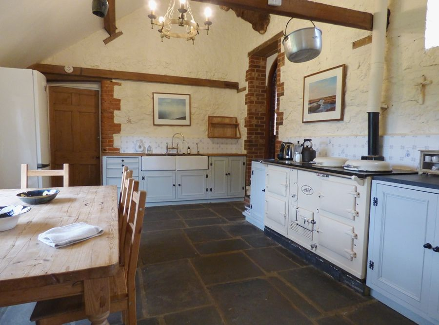 Field Barn House and Cottage | Kitchen
