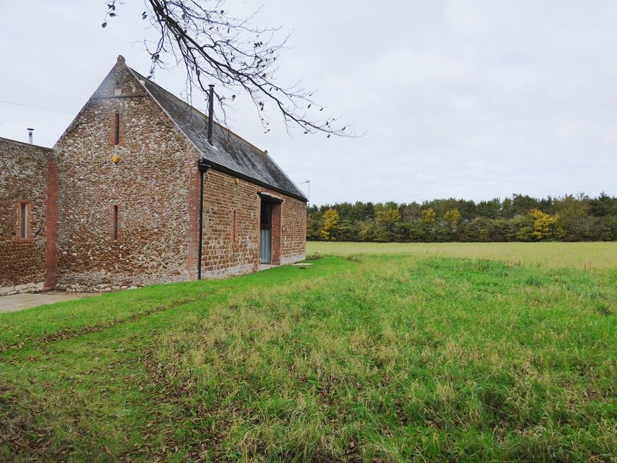 Field Barn House and Cottage |