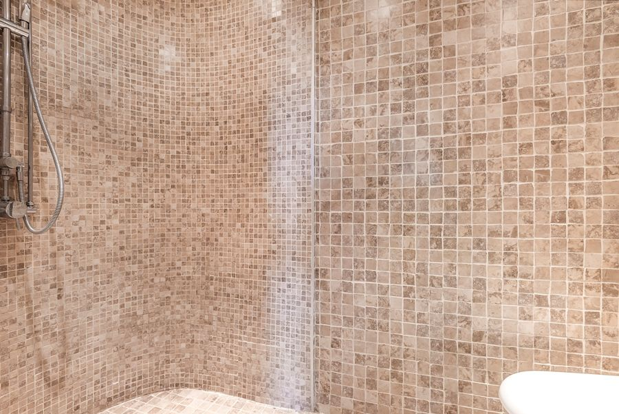 The Chapel, Thornham | Downstairs shower room