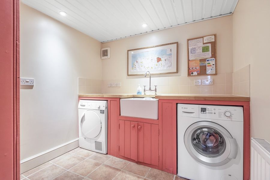 Flagstaff Cottage | Laundry room