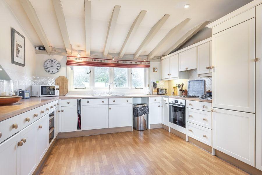 Flagstaff Cottage   Kitchen