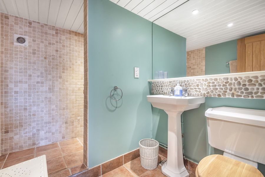 Flagstaff Cottage | Wet room