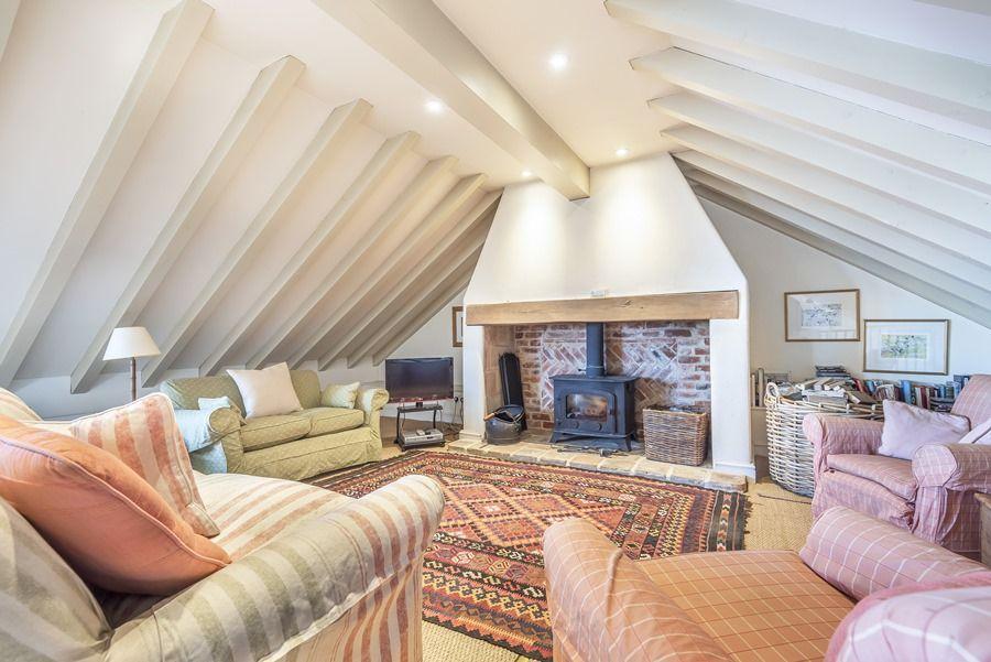 Flagstaff Cottage   Sitting area
