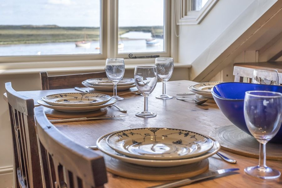 Flagstaff Cottage | Dining with a view