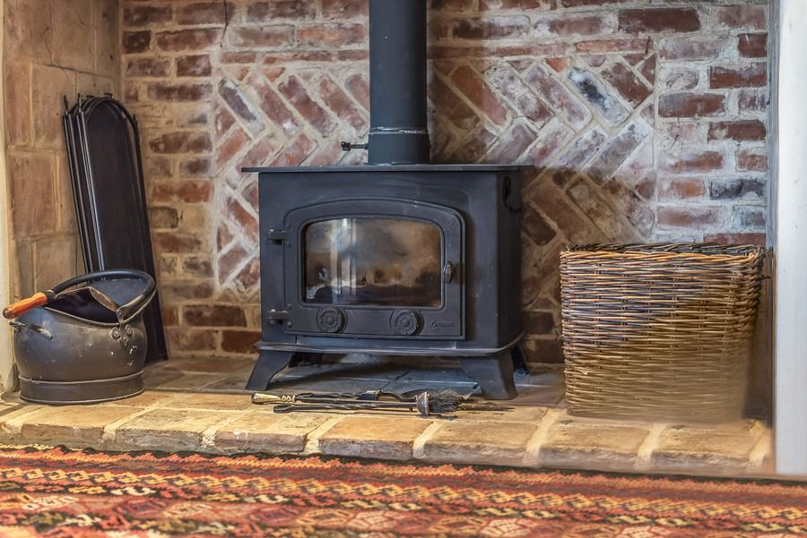 Flagstaff Cottage | Wood burner