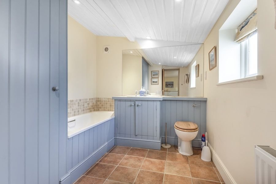 Flagstaff Cottage | Bathroom