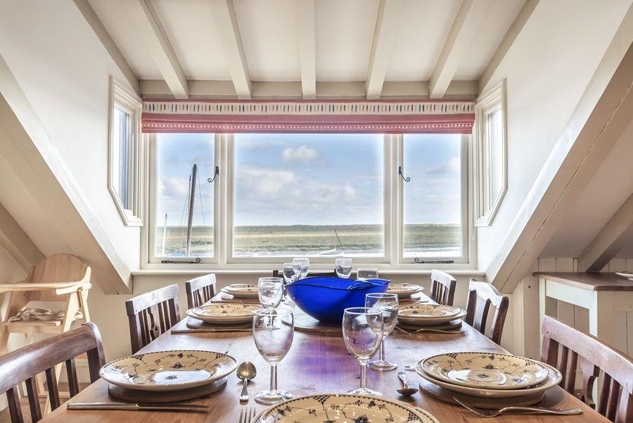 Flagstaff Cottage   Stunning views