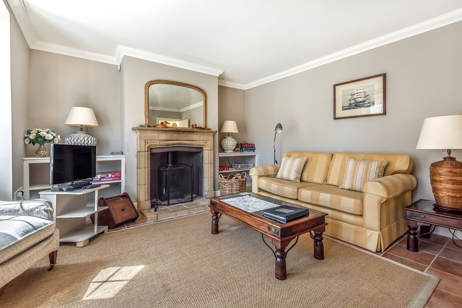 Flagstaff East | Sitting room