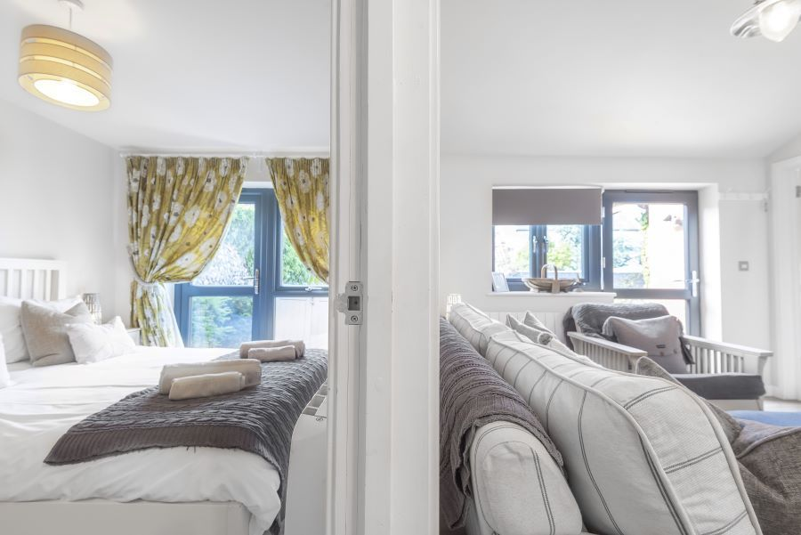 Duffields Cottage | Bedroom 1/sitting room