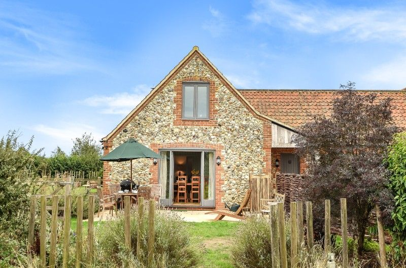The Paddock, 2 Bedrooms | Gable end