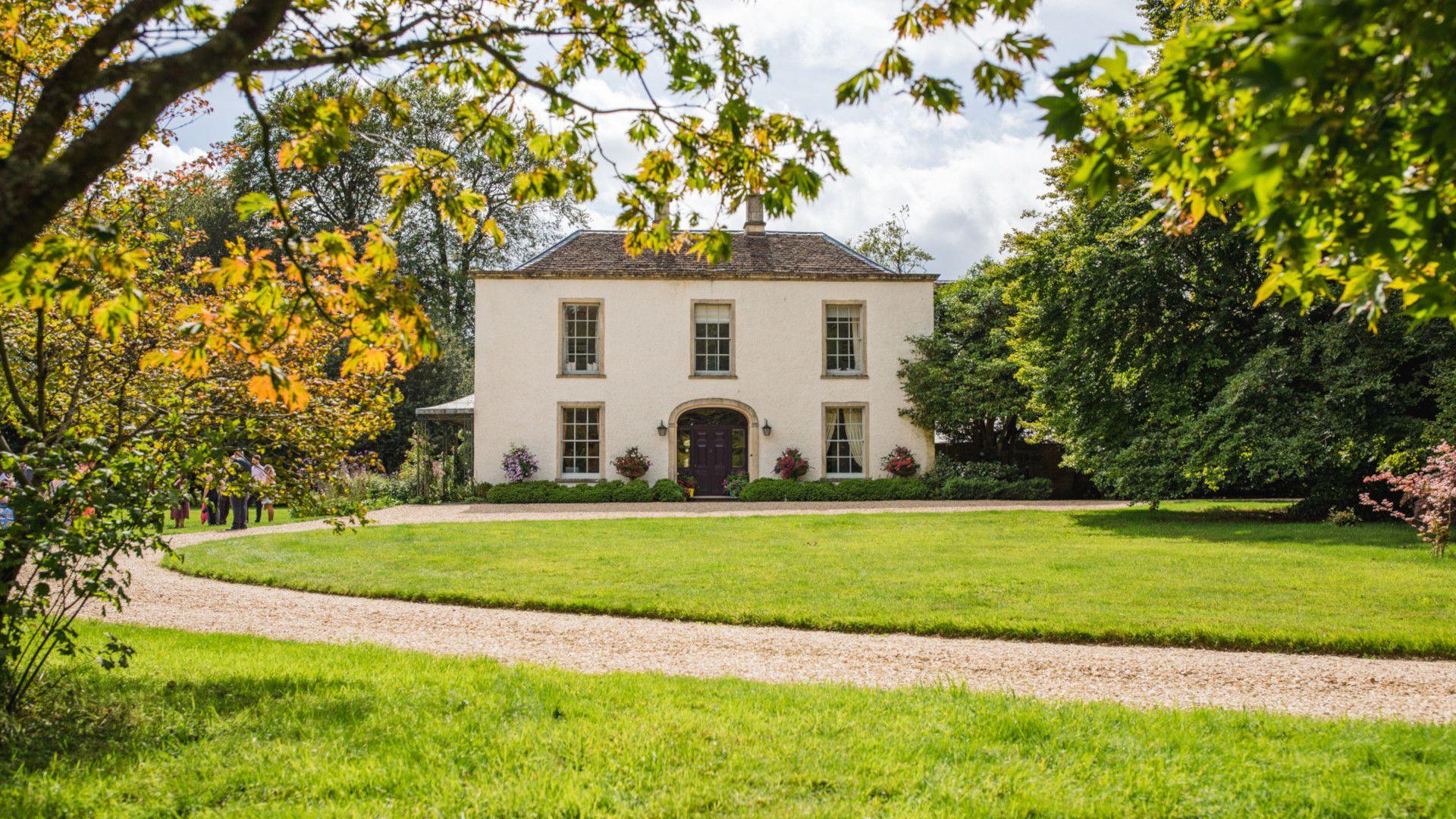 Entrance, Kingscote Park House, Bolthole Retreats