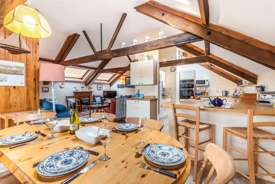 Staithe Barn | Dining area