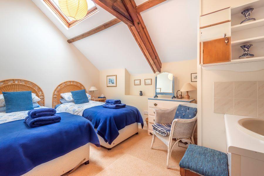 Staithe Barn | Twin room