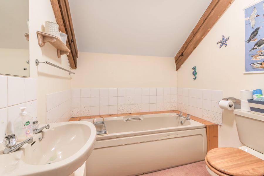 Staithe Barn | Bathroom