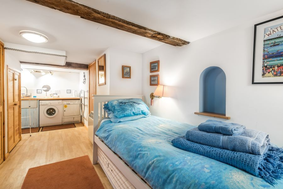 Staithe Barn | Single room