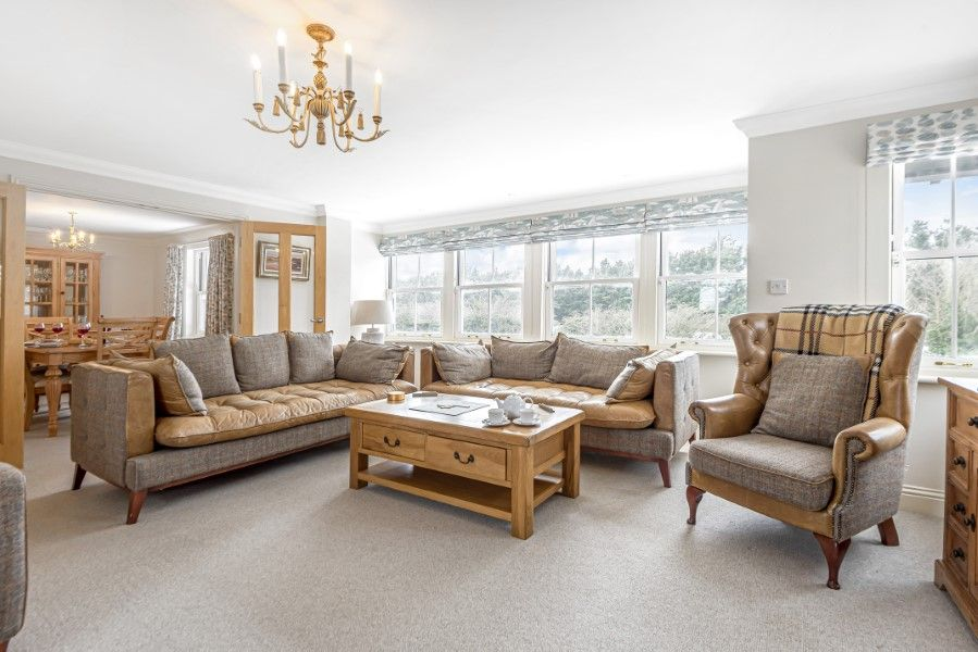 Commodores House 5 bedrooms | Sitting room