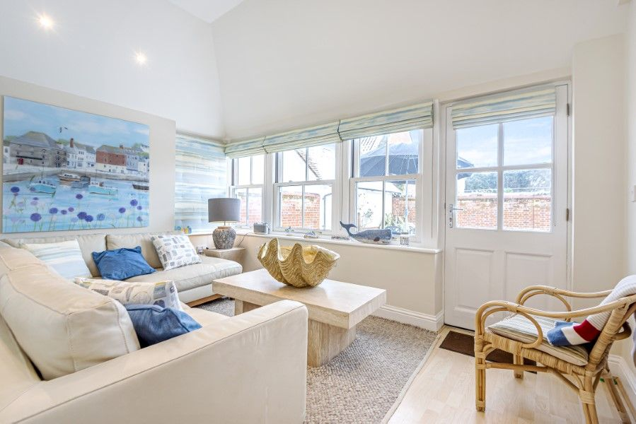 Commodores House 5 bedrooms | Garden room