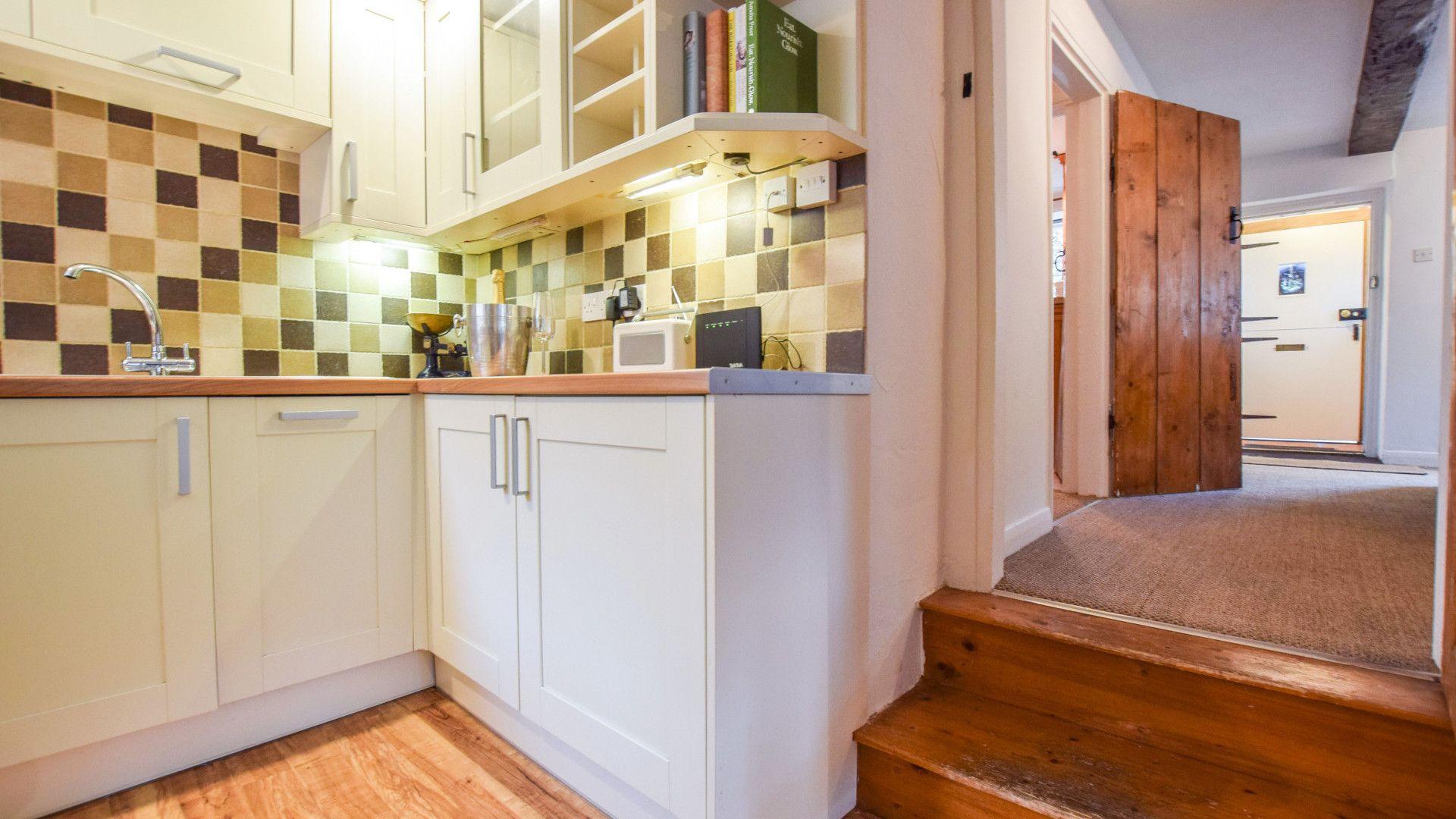 Kitchen, 1 Horseshoe Cottages Bolthole Retreats
