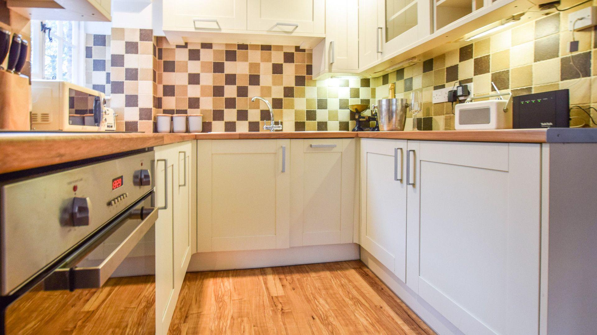 Kitchen, 1 Horseshoe Cottages, Bolthole Retreats