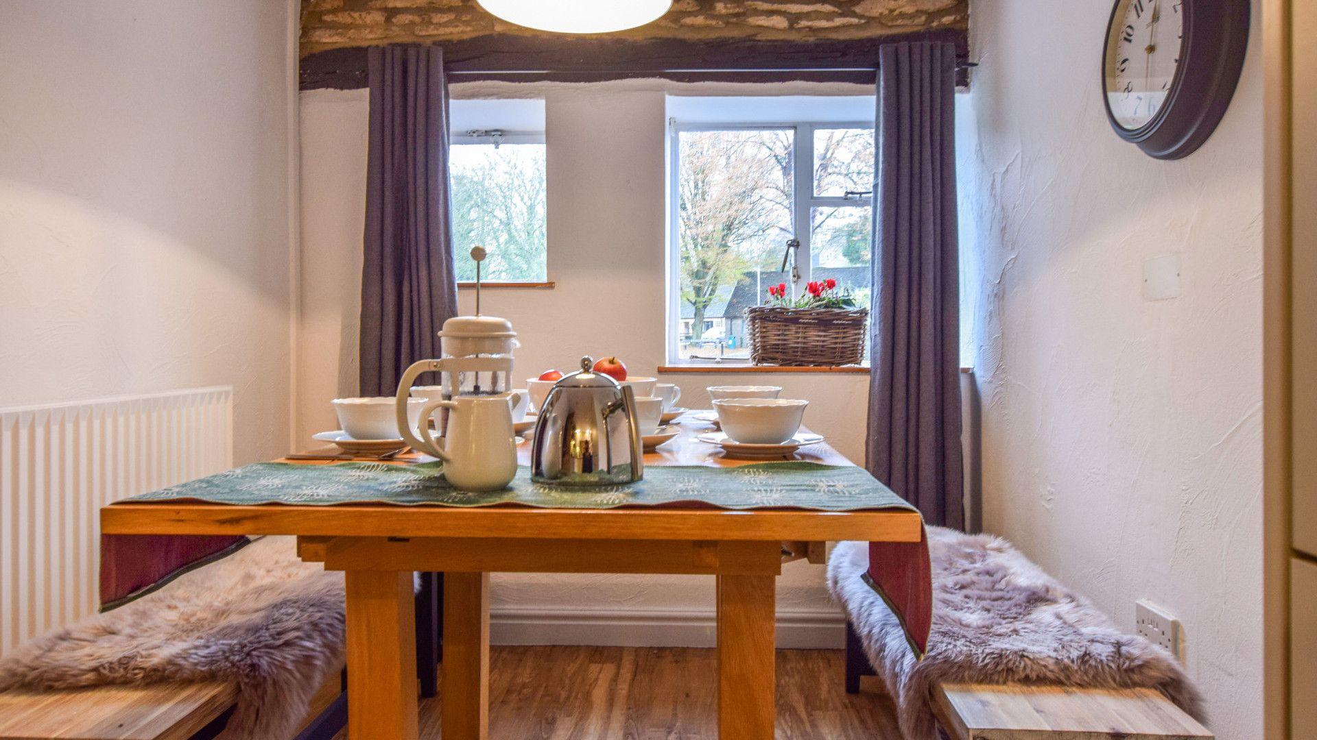 Dining Area, 1 Horseshoe Cottages Bolthole Retreats