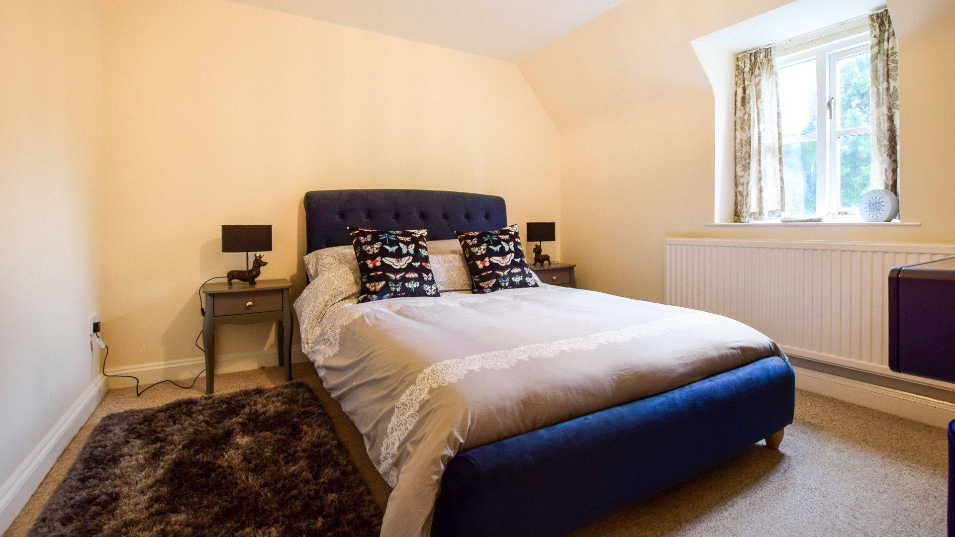 Bedroom 2, Double, 2 The Old Stables Bolthole Retreats
