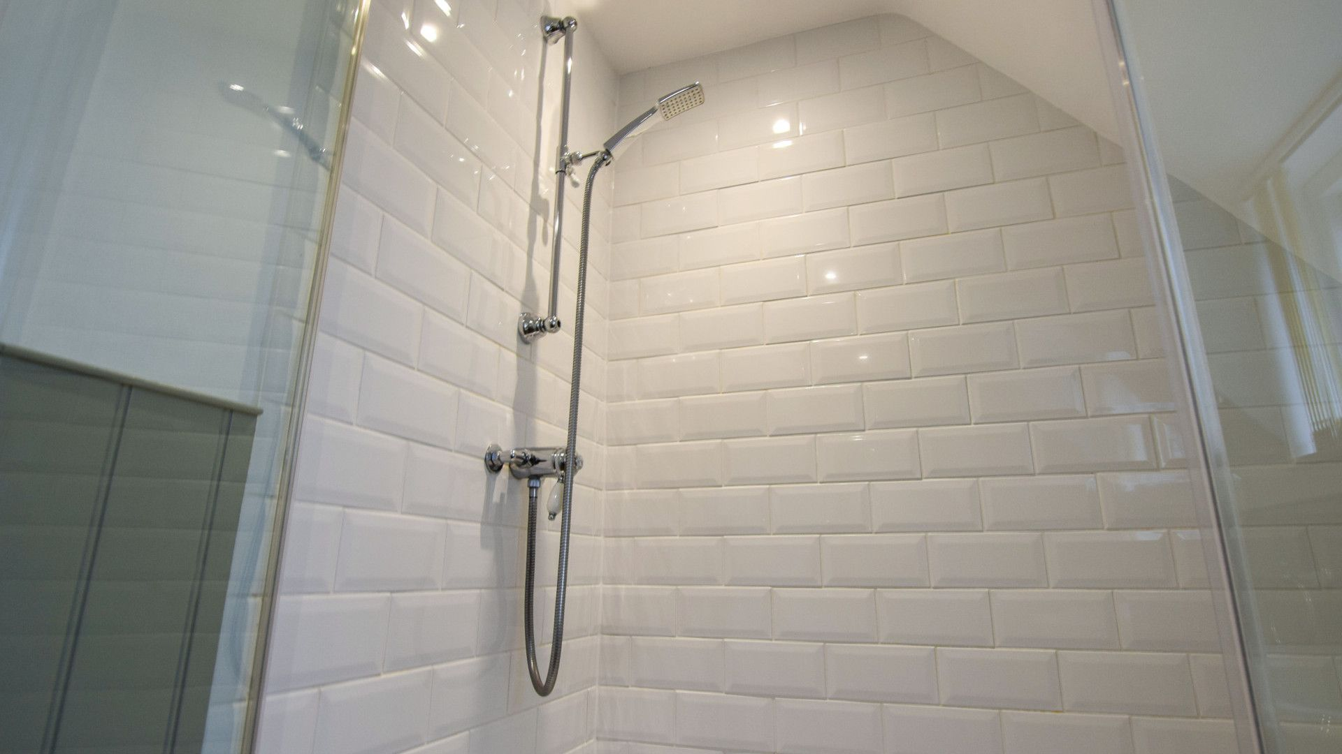 Family Shower Room, Anne Boleyn Cottage at Sudeley Castle, Bolthole Retreats