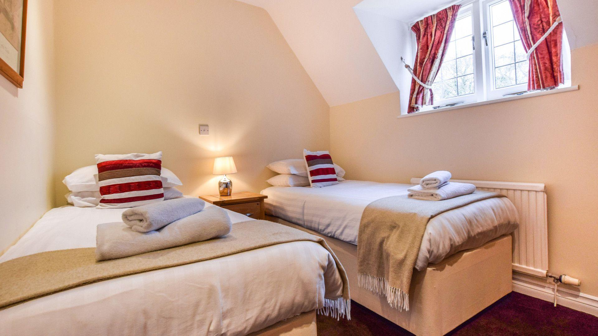 Bedroom 2, twin, Anne Boleyn Cottage at Sudeley Castle, Bolthole Retreats