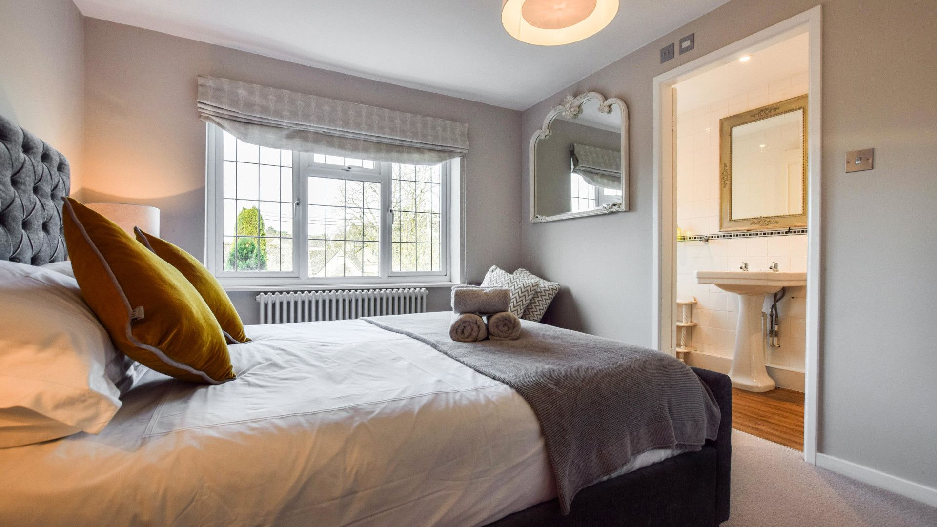 Bedroom 1, Appletree Cottage, Bolthole Retreats