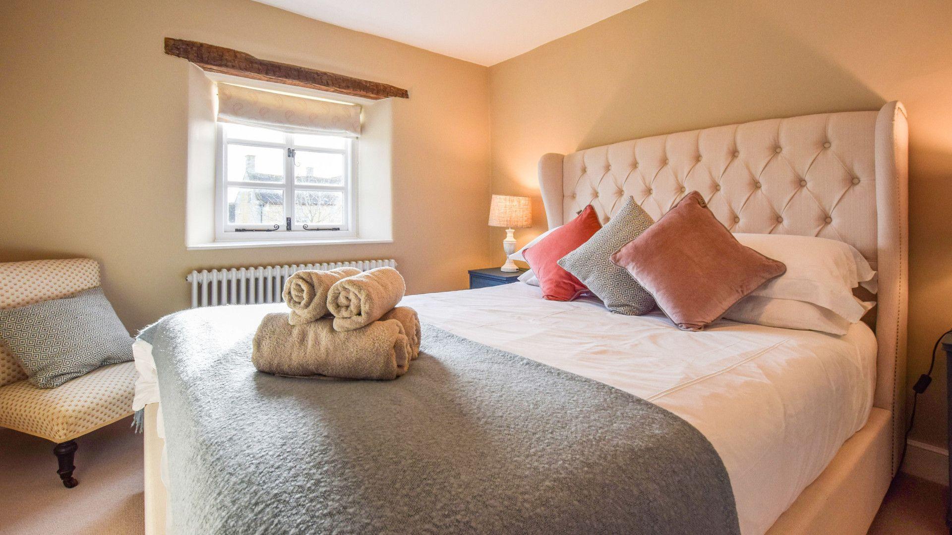 Bedroom 2, Appletree Cottage, Bolthole Retreats