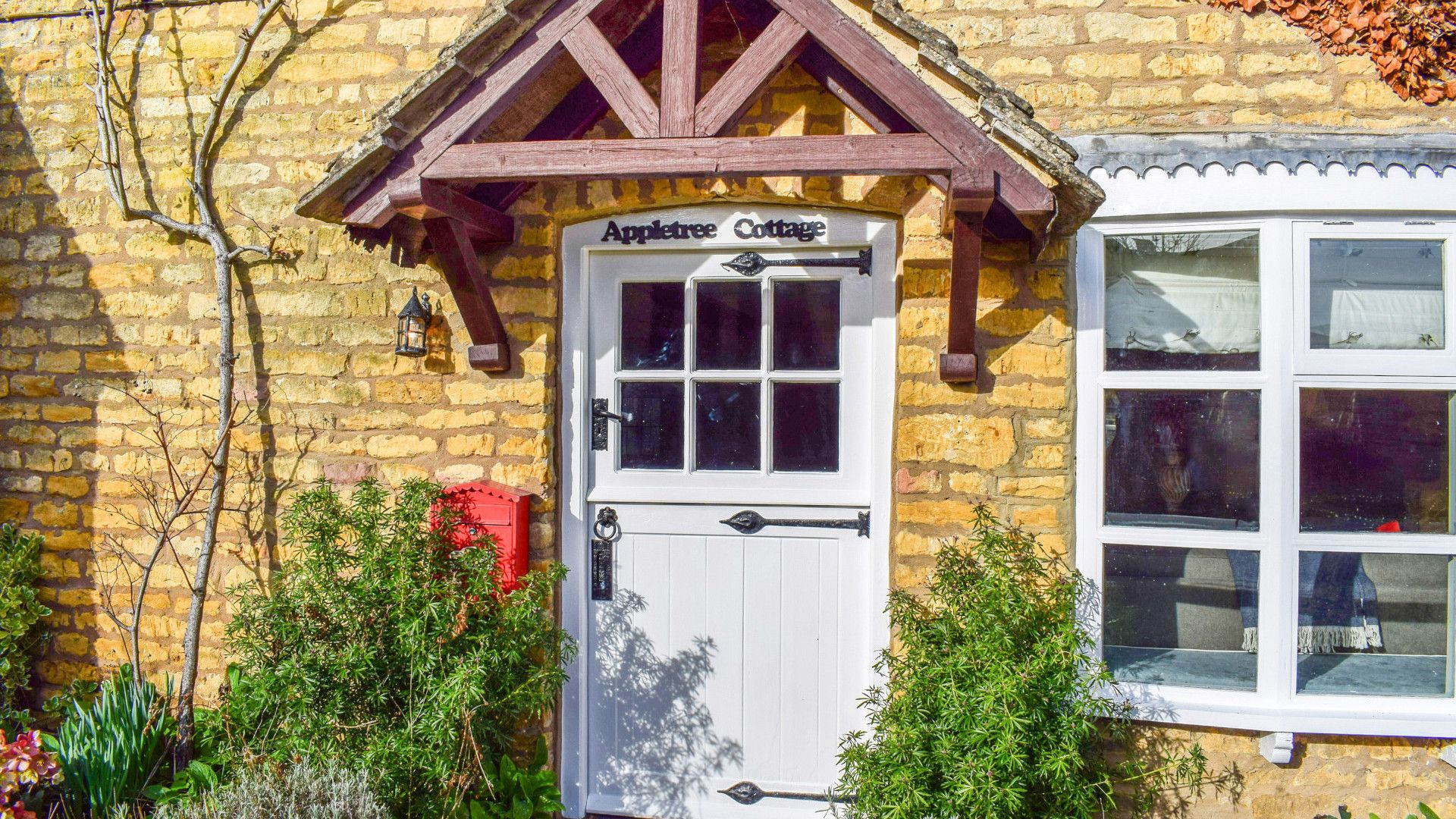 Front Door, Appletree Cottage, Bolthole Retreats