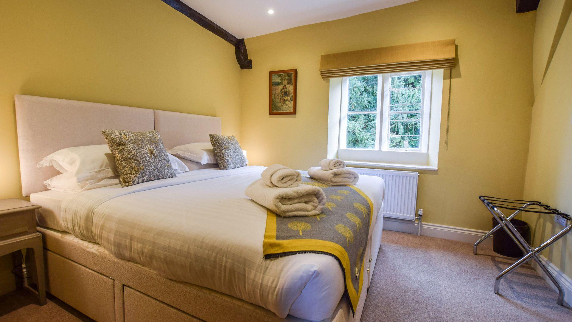 Bedrooms 2, Archers at Sudeley Castle, Bolthole Retreats