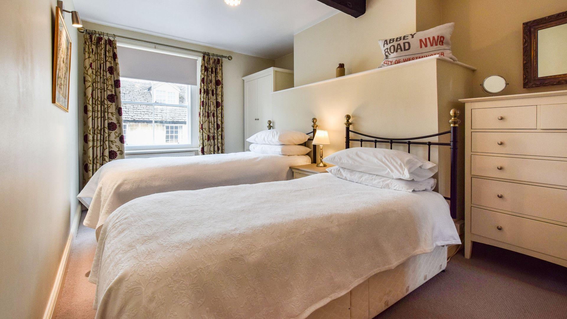 Bedroom 4, twin, Barebones Farm, Bolthole Retreats