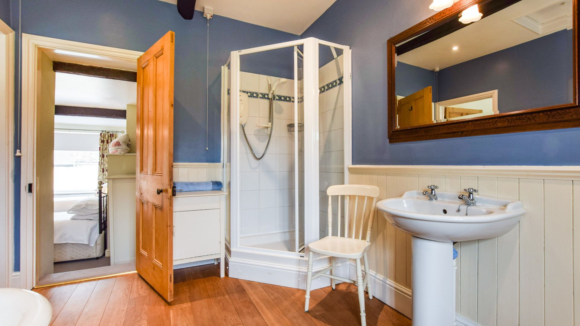 Family Shower Room, Barebones Farm, Bolthole Retreats
