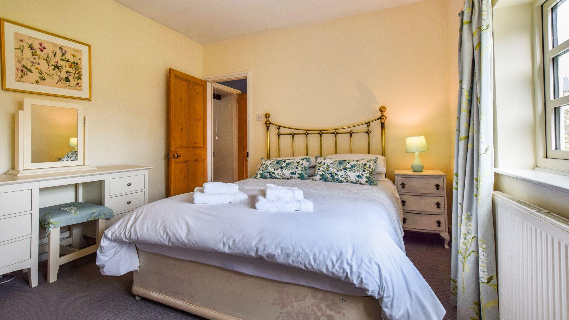 Bedroom 3, king-size double, Barebones Farm, Bolthole Retreats