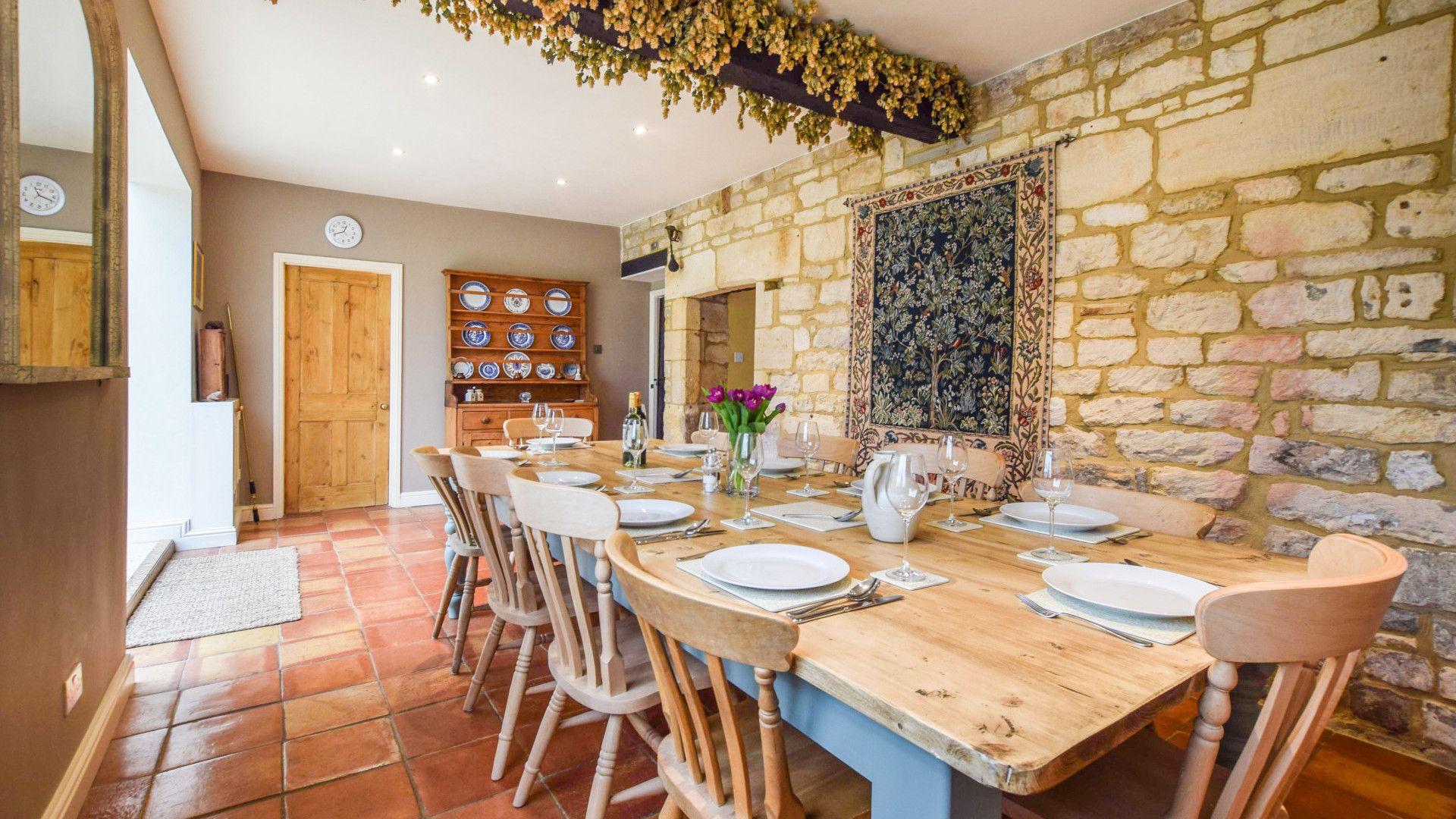 Dining room, Barebones Farm, Bolthole Retreats
