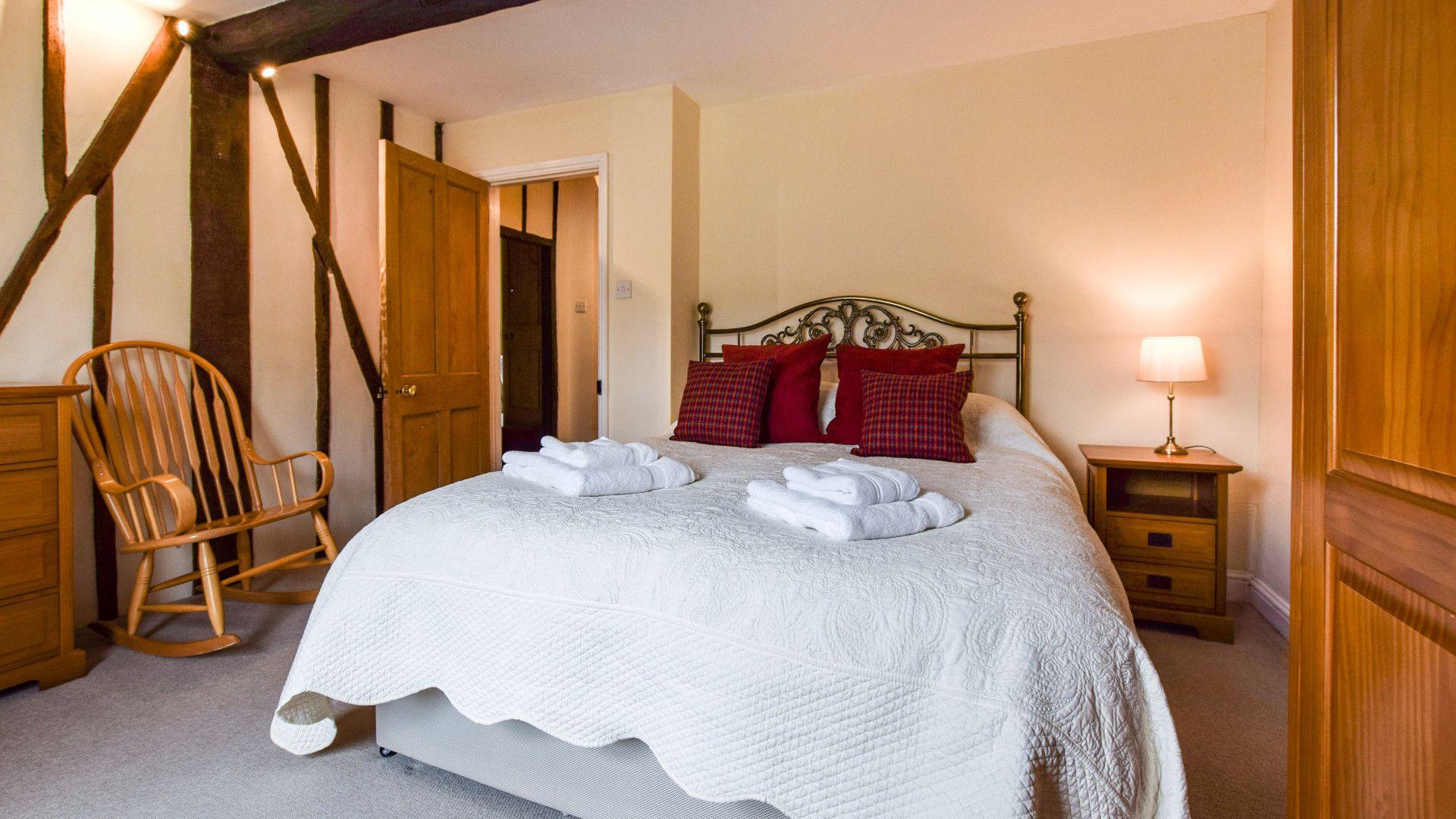Bedroom 2, King-size, Barebones Farm, Bolthole Retreats