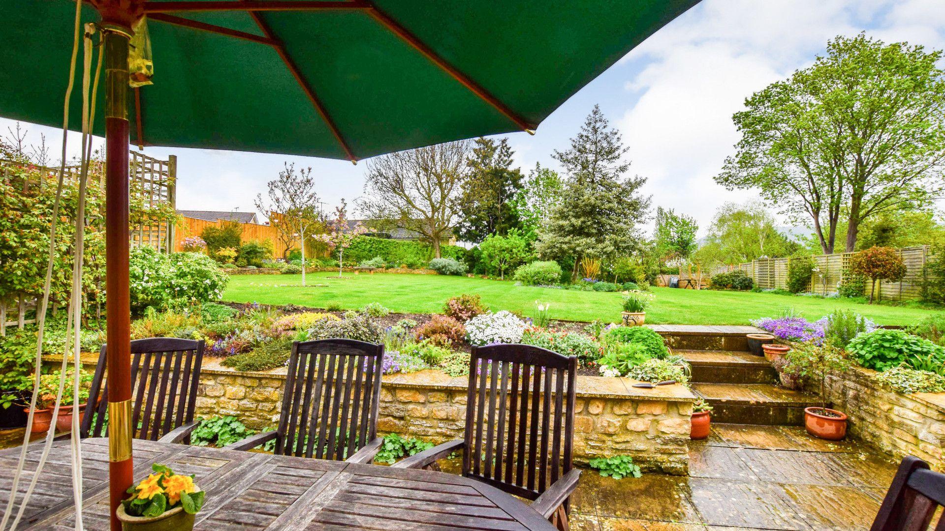 Patio with table and seating, Barebones Farm, Bolthole Retreats