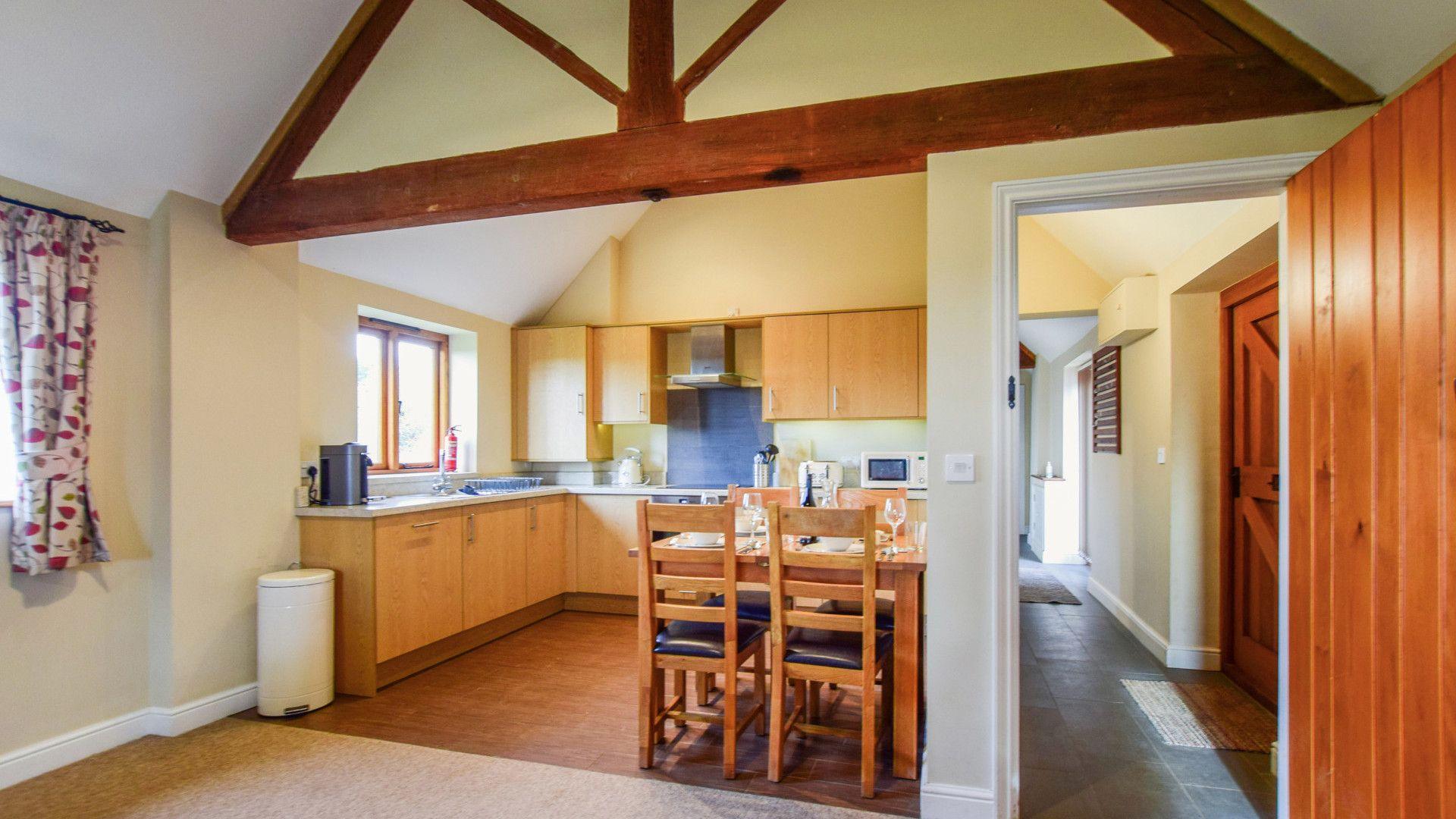 Kitchen-dining area, Cider House, Bolthole Retreats
