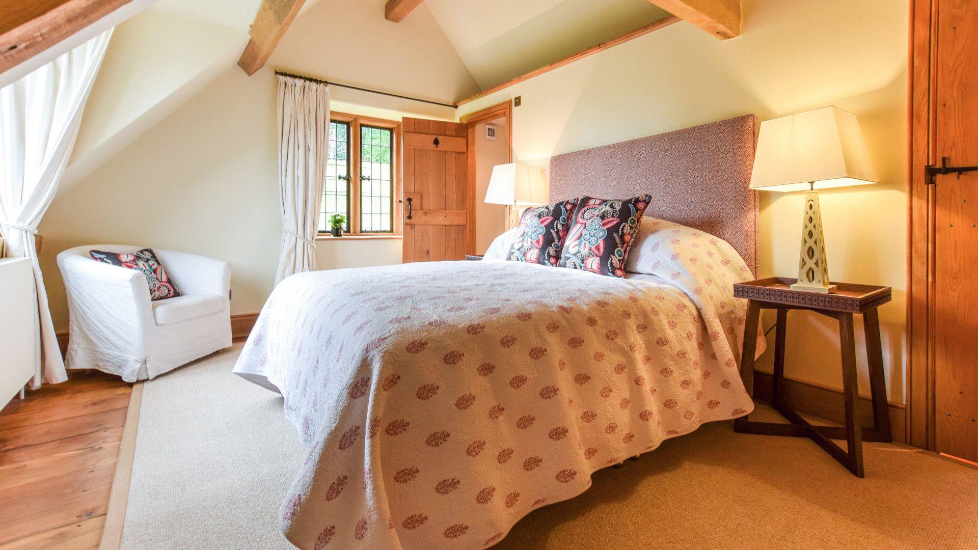 Bedroom 1, The Coach House, Bolthole Retreats
