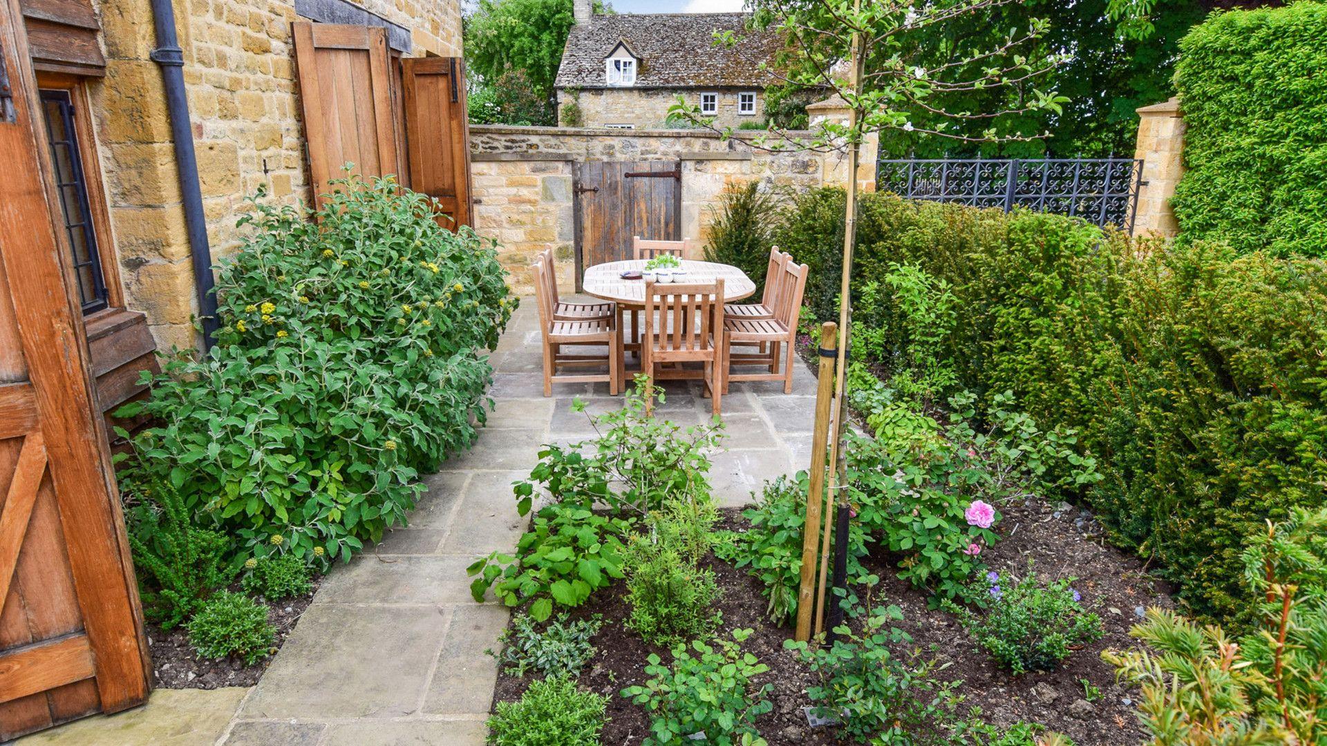 Garden patio, The Coach House, Bolthole Retreats