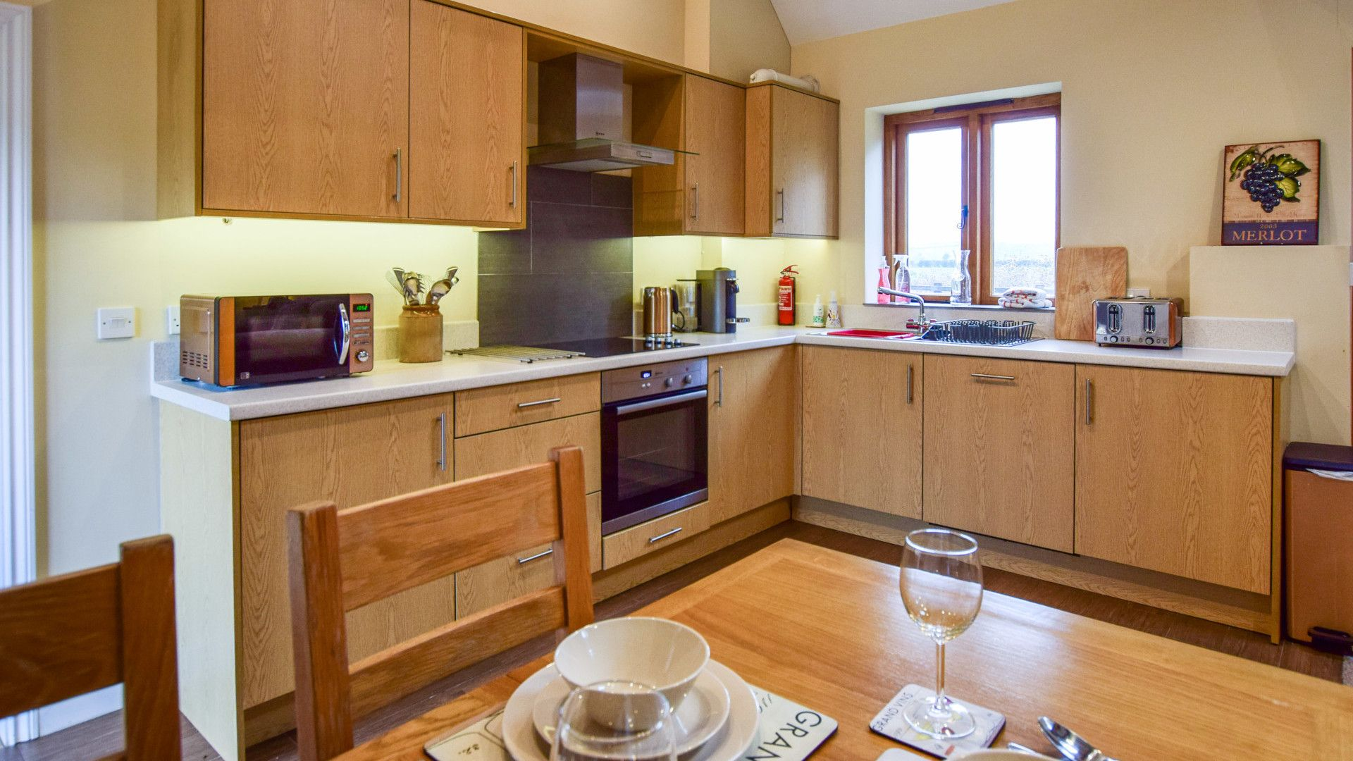 Kitchen, dining area, Combine Shed, Bolthole Retreats