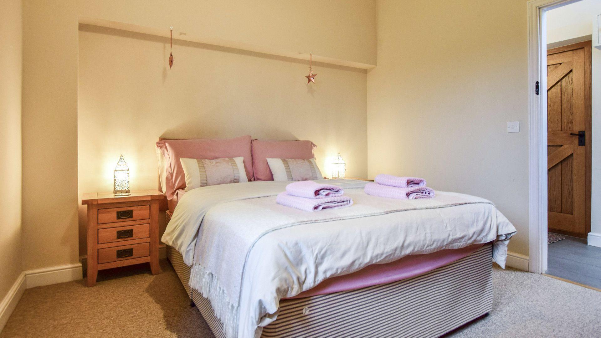 Bedroom 1, Combine Shed, Bolthole Retreats