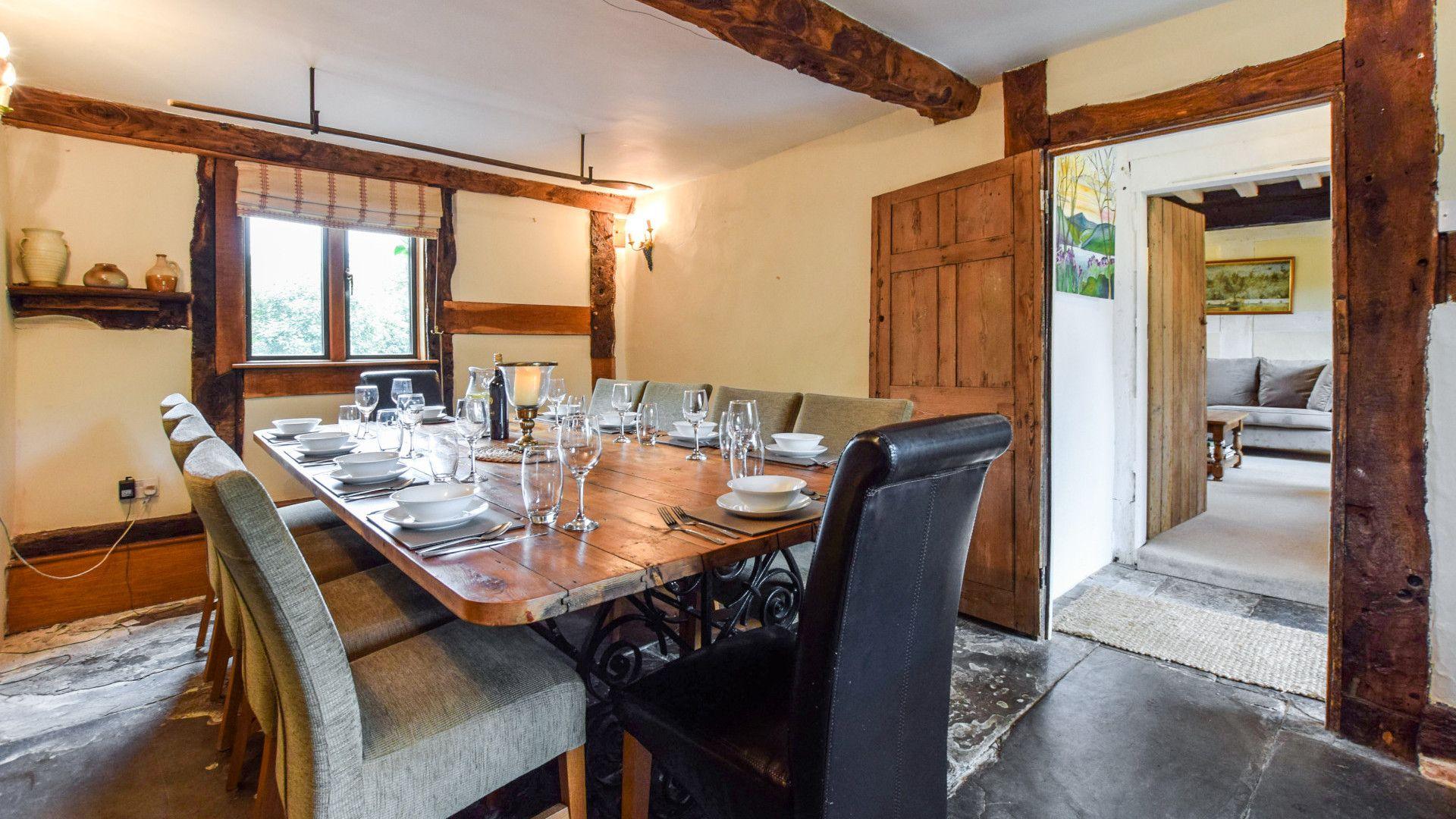 Dining room, Cyder Press House, Bolthole Retreats