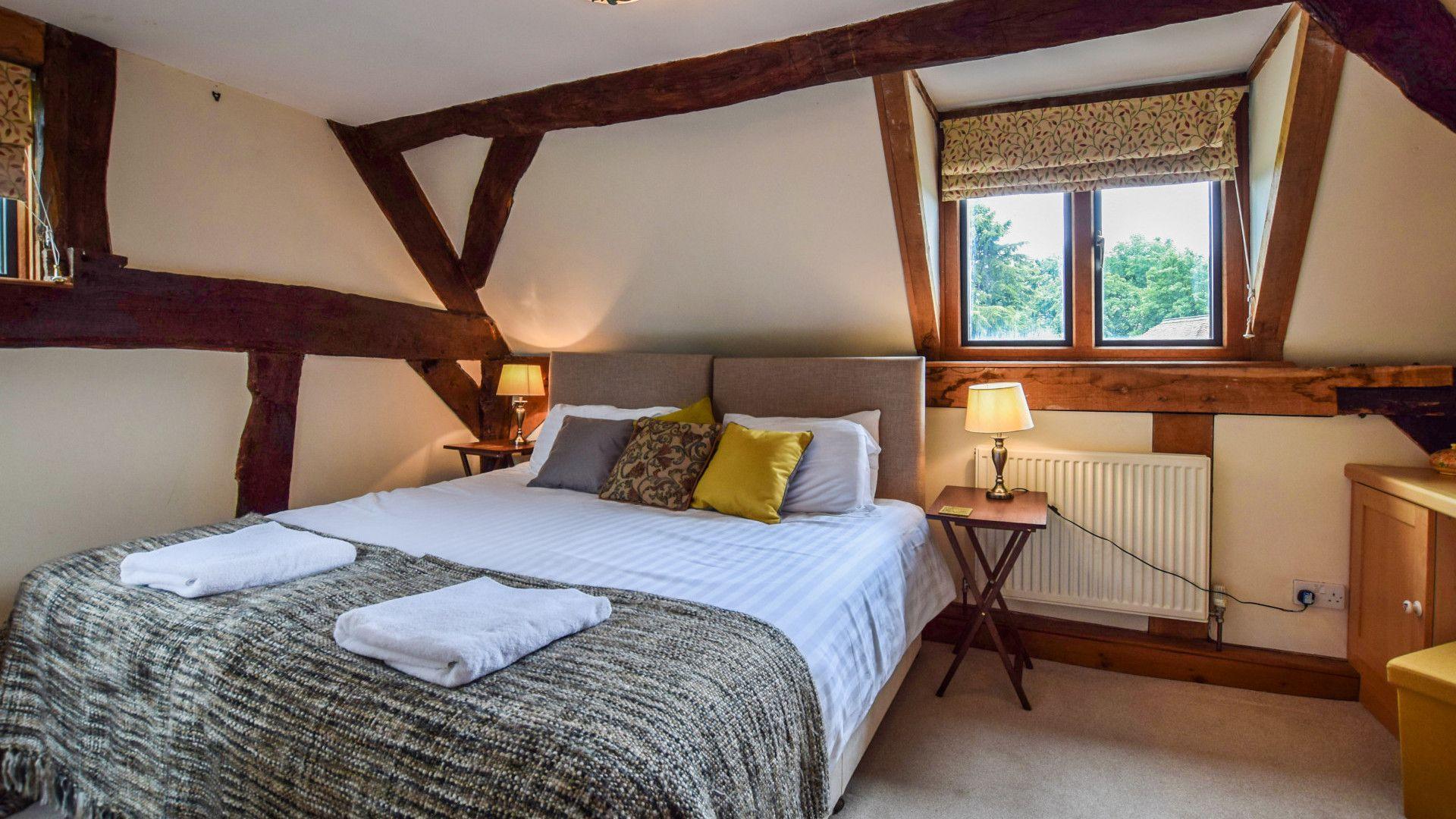 Bedroom 1, Cyder Press House, Bolthole Retreats