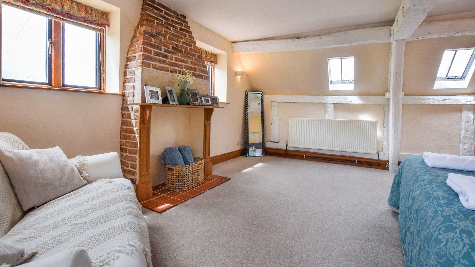 Bedroom 4, Cyder Press House, Bolthole Retreats