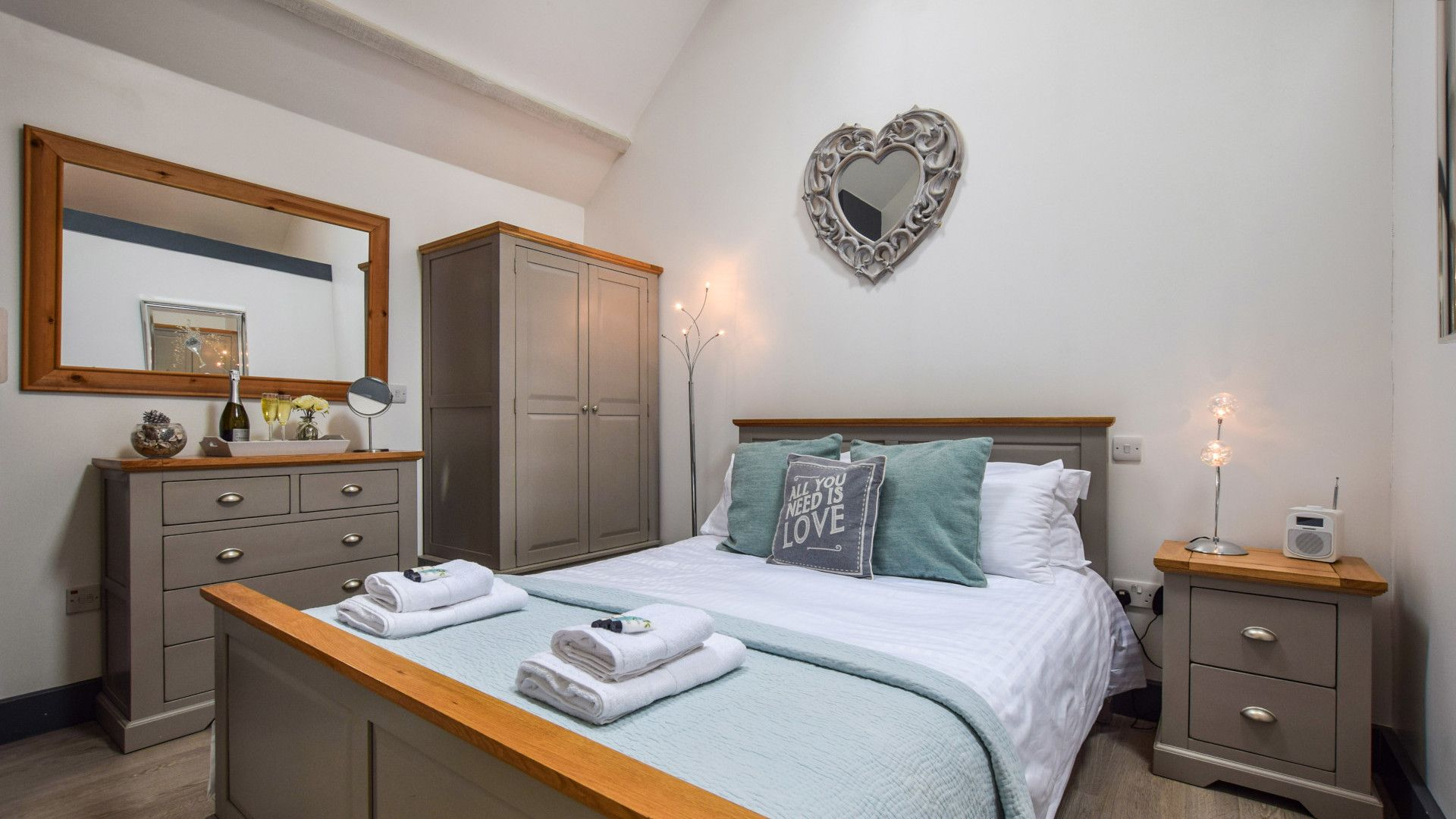 Bedroom, Dovecote at Avon Farm, Bolthole Retreats