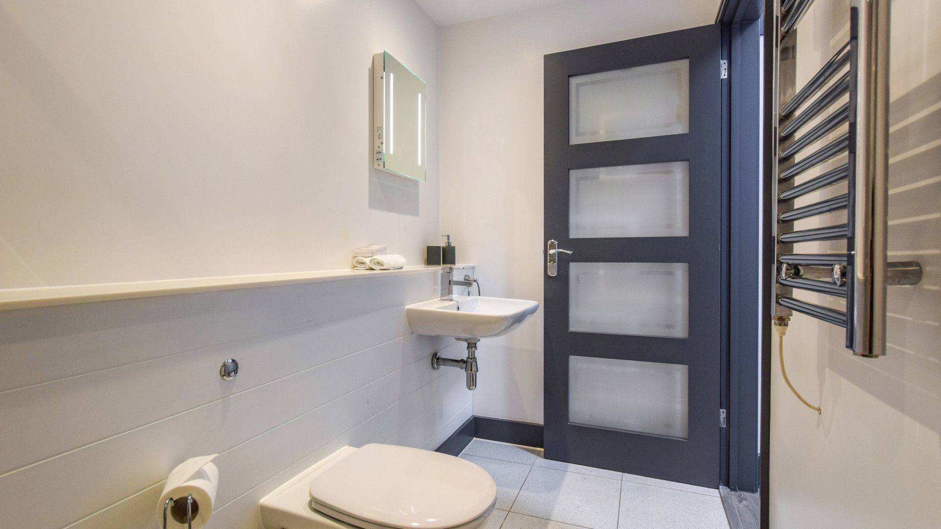 Shower room, Dovecote at Avon Farm, Bolthole Retreats